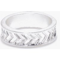 Chevron Engraved Ring - silver