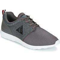 Le Coq Sportif  DYNACOMF KNIT MESH  men's Shoes (Trainers) in Grey