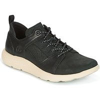 Timberland  FLYROAM LEATHER OXFO  men's Shoes (Trainers) in Black