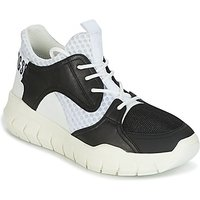Bikkembergs  FIGHTER 2022 LEATHER  men's Shoes (Trainers) in Black