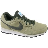 Nike  MD Runner 2  men's Shoes (Trainers) in Beige