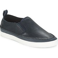 Clarks  Kessell Slip  men's Loafers / Casual Shoes in Grey