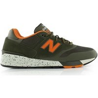 New Balance  597  men's Shoes (Trainers) in Green